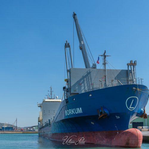 Cargo à quai